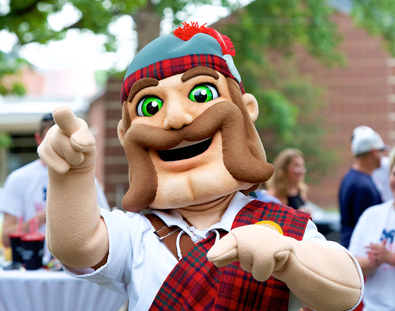 A headshot of the newest incarnation of the Highlander mascot in costume form.